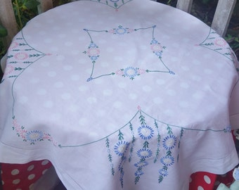 pretty pink blue daisy hand embroidered tablecloth 36x34 inches