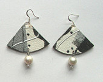 Black and white paper fan earrings with pearls