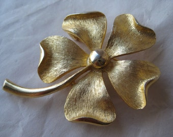 Flower Gold Brooch Pin Vintage Sarah Coventry