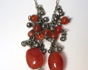 Carnelian and silver bead pendant necklace