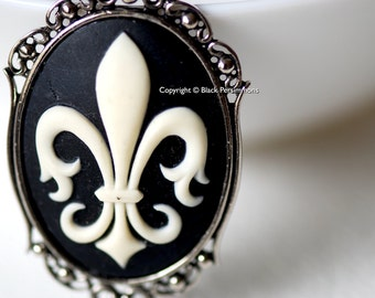 Fleur de Lis Gothic Necklace - 40x30mm -  2 Setting Colors - Insurance Included