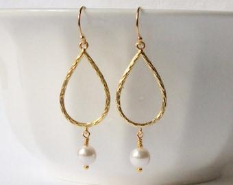 White Pearl Dangle Earrings,  Wedding Jewelry, Pearl Jewelry