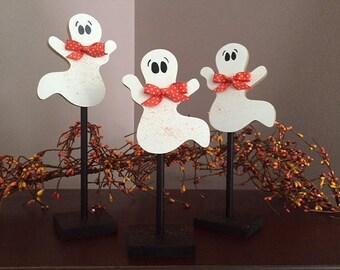 Pedestal ghosts, set of 3