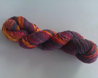 Squishy Sock 115 gm  373 m/408  yards Volcano