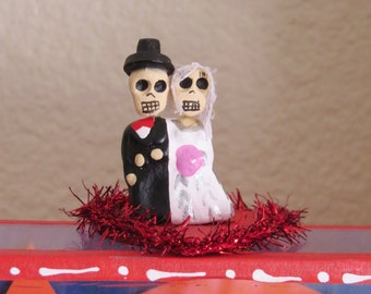 Vintage Petite AMOR CALAVERA Novios Wedding Nicho- Love this for your honey