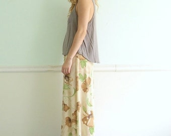 extra 30% off SALE ... Creamy Rose Floral Printed 90s High Waist Maxi Skirt with Front Slit - S Small M Medium