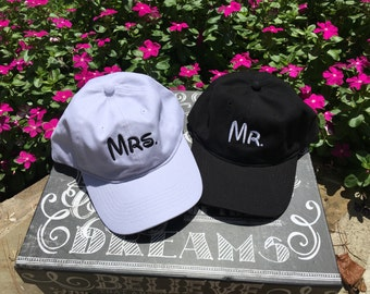 Bride and Groom baseball caps.  Mr and Mrs hat set.  Wedding hats.  Buy one or the set.  Monogrammed bride and groom ball caps.