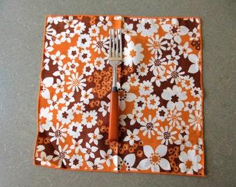 Vintage Napkins, Cloth Napkins, Brown and Gold Flowers, Cloth Serviettes, 70s Colors, 1970s Napkins, Floral Napkins, Vintage Cloth Linens