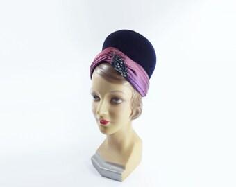 Schiaparelli Hat, Vintage Cloche Hat, 60s Purple Hat, Velvet 60s Hat, 60s Schiaparelli Hat, 1960s Magenta Hat, 1960s Vintage Hat