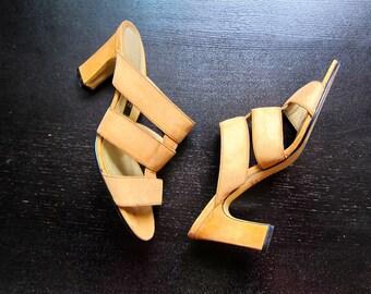 Cut Out Leather High Heel Pumps Minimal Peep Toe Sandals Open Heels Nubuck Suede Tan Sky High Sandals Modern Vintage 90s Pumps DELLS Size 6