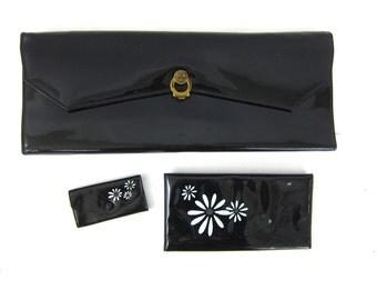 1950s Rolfs black patent clutch purse Shiny minimalist bag Key Holder Checkbook cover White flowers Daisies women's vintage purse Louanne's