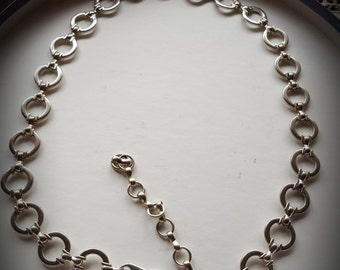 """Belt Chrome Hoops  Liz Claiborne designer adjustable vintage high fashion Size 28"""" up to 32"""""""