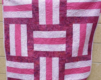 Pink railfence baby quilt 1