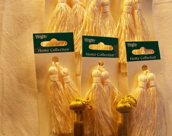 "14 Chainette Tassels Silky Tassels Tassel Trim 12 White 2 Gold Wrights Trim New On Card 3"" Long"