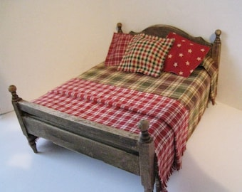 Dollhouse Bed ,Double bed, ,  country style bed, homespun spread, country colours, dollhouse miniature, twelfth scale,