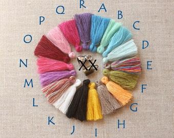 Pompons en coton pompons, quatre pompons, idéal boucle d'oreille, pompons colorés pour bijoux, bracelets, pompon, mini pompons en 32mm, quatre petits pompons