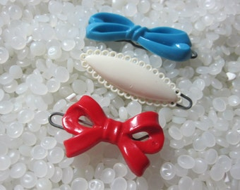vintage  hair barrettes blue bow , bright red bow swet white picot edge barrette