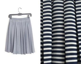 Size XS/S // STRIPED PLEATED Skirt // Midnight Navy Blue & White - Horizontal Stripes - Knee Skirt - Vintage '90s.