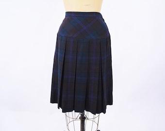 "1950s skirt vintage 50s dark plaid tartan Highland Queen pleated wool skirt XS W 24"""