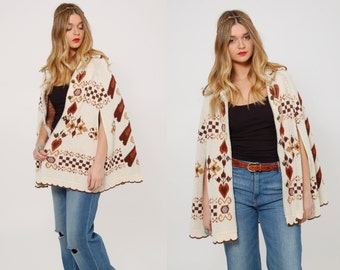 Vintage 70s FOLK Poncho HEART Print Knit Poncho Hippie Sweater Cream Boho Cape