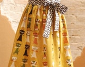 SALE Modern Vintage Half Apron - Tammis Keefe Contented Cats Linen Fabric - Hostess, Ladies or Teens Gifts - Cooking, Baking and Entertainin
