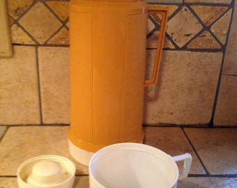Butterscotch And Sand Super Quart Thermos