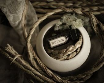 Sweetgrass - Natural Perfume oil with notes of clover, alfalfa, beeswax, honey, alfalfa, vanilla in organic oil base - For Strange Women