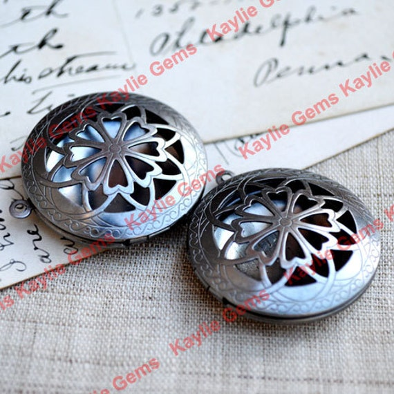 Filigree Dark Antique Silver / Pewter Round Loket for Scent Locket Solid Perfume Locket Desings - 2pcs