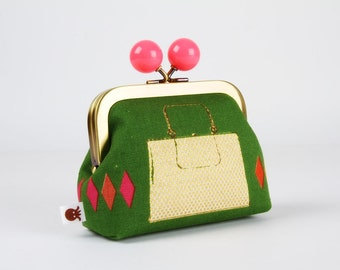 Metal frame coin purse with color bobble - Handbags in green - Color dad / Melody Miller / Metallic gold neon pink red