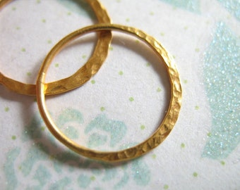 Shop Sale.. 2 5 10 pcs, 24k Gold Vermeil Links Connectors Components Eternity Rings, Hammered Circle, 20 mm, artisan n57.20V geometric