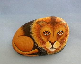 Unique ooak 3D art object-lion-fine art painting-painted pet rock-cat-paperweight-desk decor-king of jungle-terrarium animal-dorm room decor