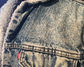 Vintage LEVI'S Sherpa Jean Jacket...