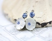 Vintage Glass Stones 1 Ring 19x10mm Silver Antique Brass Prong Settings Frosted White & Light Sapphire - 2