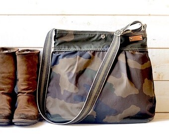 Camouflage Waxed Canvas bag / Messenger bag / Tote / Diaper bag / Green Women messenger / Travel bag / Vogue / Fall Fashion