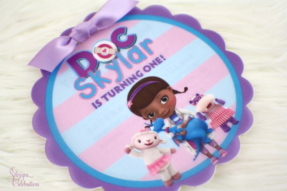 Doc mcstuffins birthday invitation round flower scallop shape il570xn stopboris Images