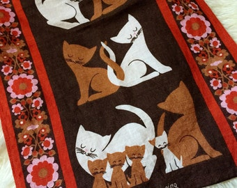 Vintage 1960s Tea Towel / 60s The Wooing Ulster Irish Linen Tea Towel VGC / Mid Century Graphics, Kitchen Decor