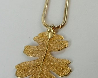 1970's Gold tone metal dipped Skeleton Natural Leaf Pendant/Necklace
