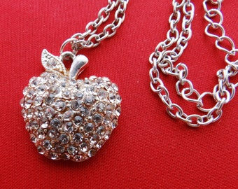 "Vintage silver tone 21"" with 1"" rhinestone apple pendant in great condition"