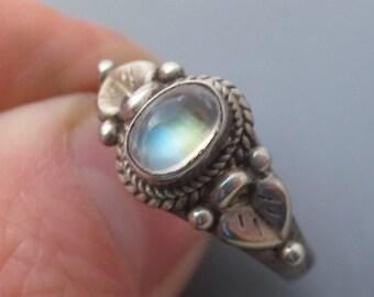 Sterling Silver Rainbow Moonstone Gemstone Ring Size 7.75