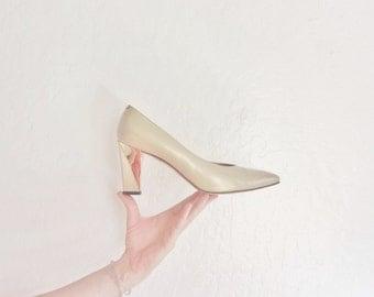 metallic gold St. John pumps . geometric chunky heel .size 10 .sale