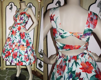 Vintage Open Back Sun Dress in Colorful Floral by Together. Small.