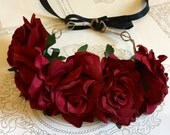 Red flower crown, Red roses flower crown, veil flower crown, Day of the dead headpiece.