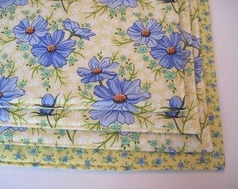Blue Daisy Placemats Reversible Set 4 6 Periwinkle Blue Placemats Blue And Yellow Placemats Blue