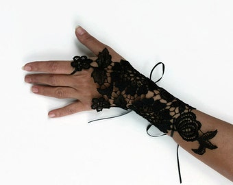 Black Fingerless Glove, Wrist Cuff Corsage, Guipure Lace Hand Charm, Bridesmaids Gifts, Limited