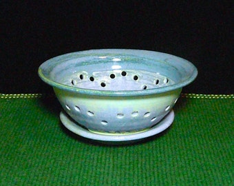 COLLANDER w/DRIP TRAY,Berry Bowl, Drainer,Vegetable Bowl, Fruit Bowl