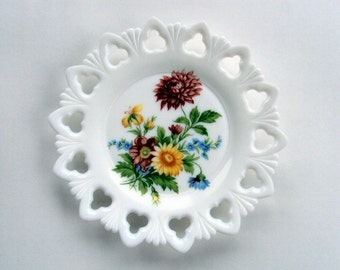 Vintage Kemple Milkglass Plate, 1945 Club and Shell pattern, handpainted, ,Table Dishes,Dining Serving