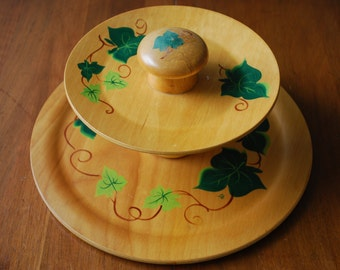 vintage two tier wooden tidbit tray - hand painted ivy leaf design - Wood Croftery - 1960's - Woodland - Farmhouse