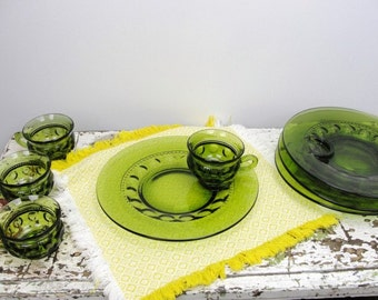 Vintage Thumbprint or King's Crown green snack set 4 plates and 4 cups