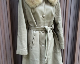 SALE  Vintage 60s 70s Ivory Grey Ladies Mod Trench Peter Caruso coat Genuine Fox Collar size Medium  Large