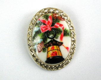 Holiday Brooch Vintage 80s Costume Jewelry Pin Milk Glass Cab